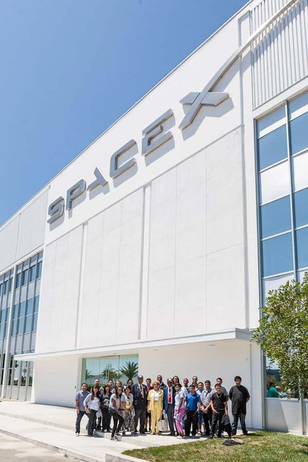 Tomorrow's Aeronautical Museum members at SpaceX headquarters in Hawthorne, Calif.