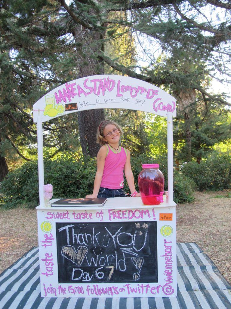 Vivienne Harr's lemonade stand