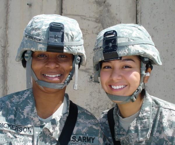 Soldiers' Angels volunteers