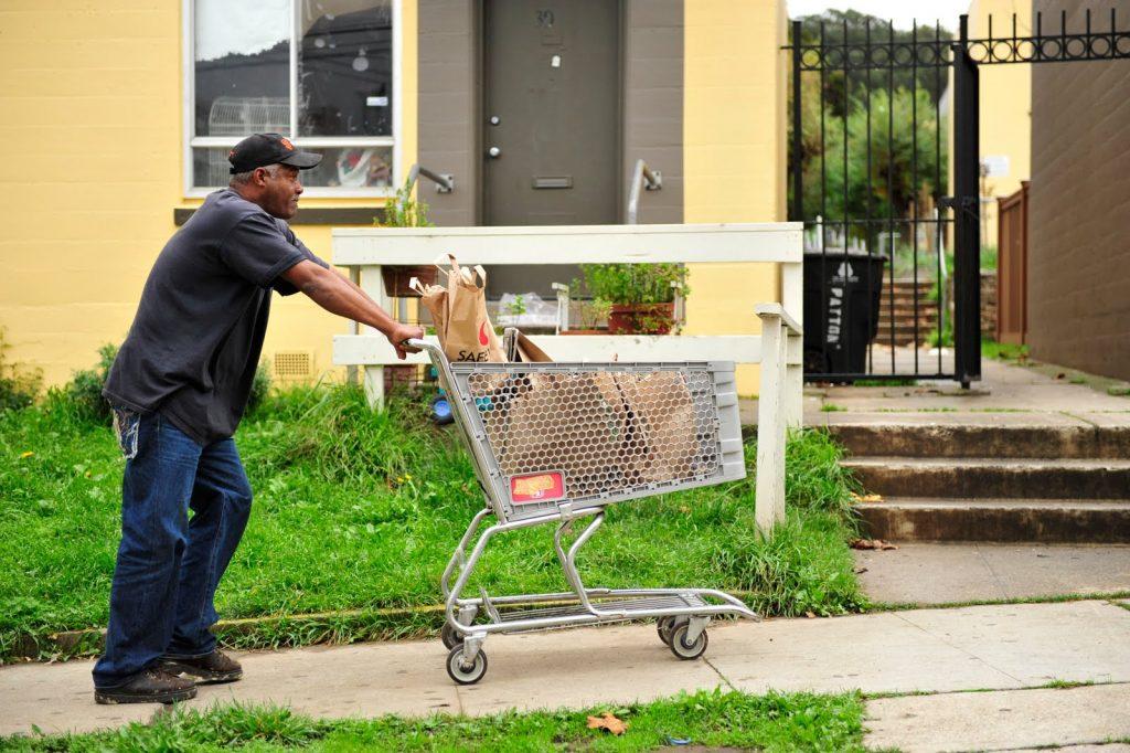 Herman Travis' shopping cart in S.F.